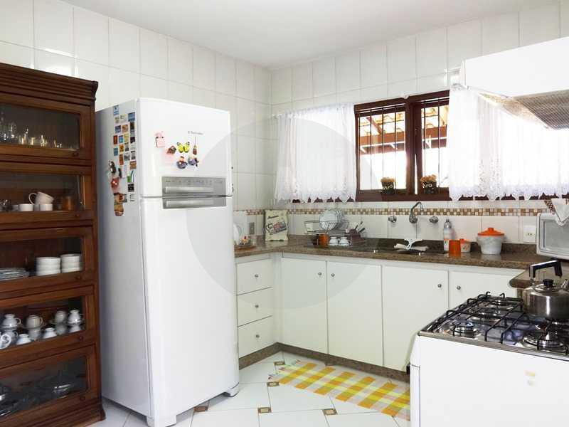 24 - Cozinha - Imobiliária Agatê Imóveis vende Casa em Condomínio de 150 m² Itaipu - Niterói por 1.200.000, mil reais - HTCN40069 - 16