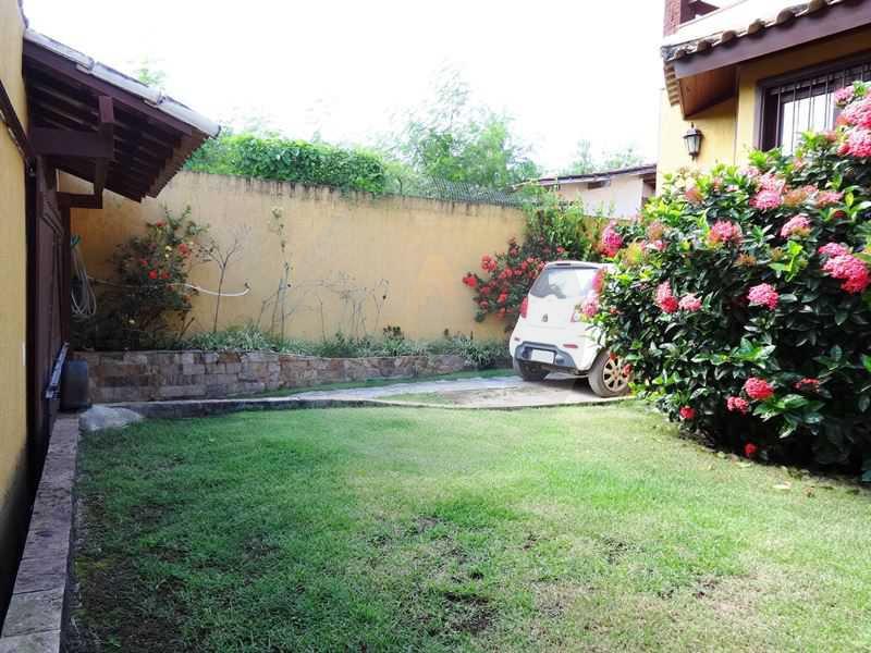 30 - Quintal e Garagem - Imobiliária Agatê Imóveis vende Casa em Condomínio de 150 m² Itaipu - Niterói por 1.200.000, mil reais - HTCN40069 - 31