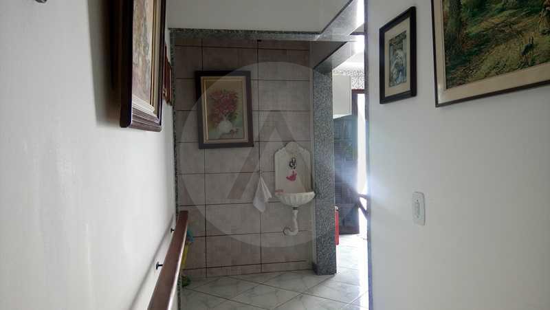 19 - Corredor - Imobiliária Agatê Imóveis vende Casa de 160 m² Itaipu - Niterói por 750 mil reais. - HTCA30059 - 26