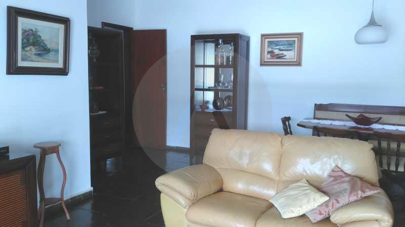5 - Sala - Imobiliária Agatê Imóveis vende Casa Linear Itaipu - Niterói. - HTCA30006 - 15