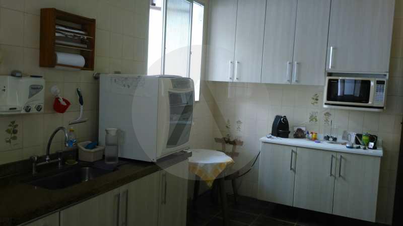 17 - Cozinha - Imobiliária Agatê Imóveis vende Casa Linear Itaipu - Niterói. - HTCA30006 - 27