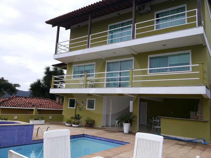 38 - Fachada Fundos - Imobiliária Agatê Imóveis vende Casa em Condomínio de 560m² Piratininga - Niterói por 3 Milhões - HTCN40025 - 1