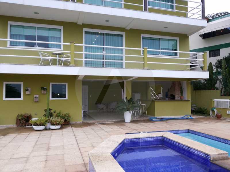 39 - Fachada Fundos - Imobiliária Agatê Imóveis vende Casa em Condomínio de 560m² Piratininga - Niterói por 3 Milhões - HTCN40025 - 22