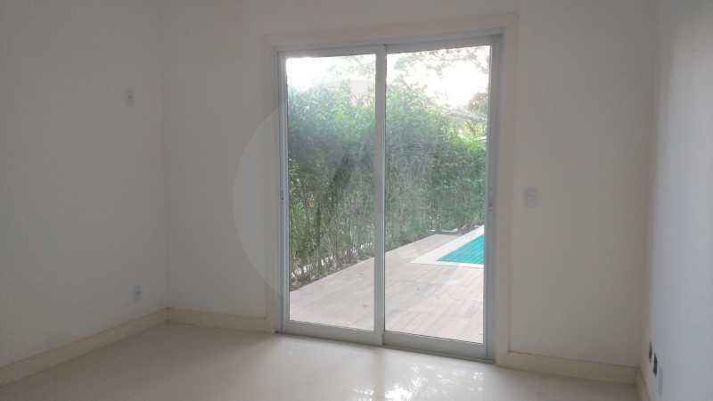 8 Casa Condomínio Itaipu. - Imobiliária Agatê Imóveis vende casa em condomínio de 215m² por R 760.000 - Itaipu - Niterói/RJ - HTCN40001 - 9
