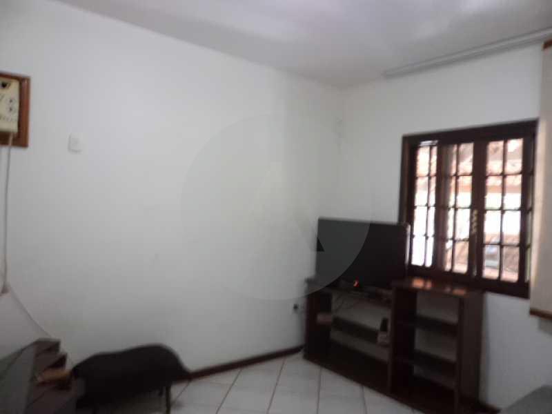 8 - Suite 1º Pavimento - AGATE Imoveis vende excelente casa em Condomínio Itaipu Regiao Oceanica de Niteroi - HTCN40005 - 9