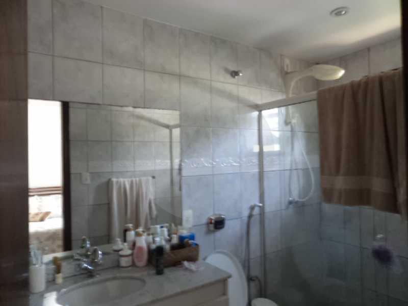 13 - Banheiro Suite 1 - AGATE Imoveis vende excelente casa em Condomínio Itaipu Regiao Oceanica de Niteroi - HTCN40005 - 14