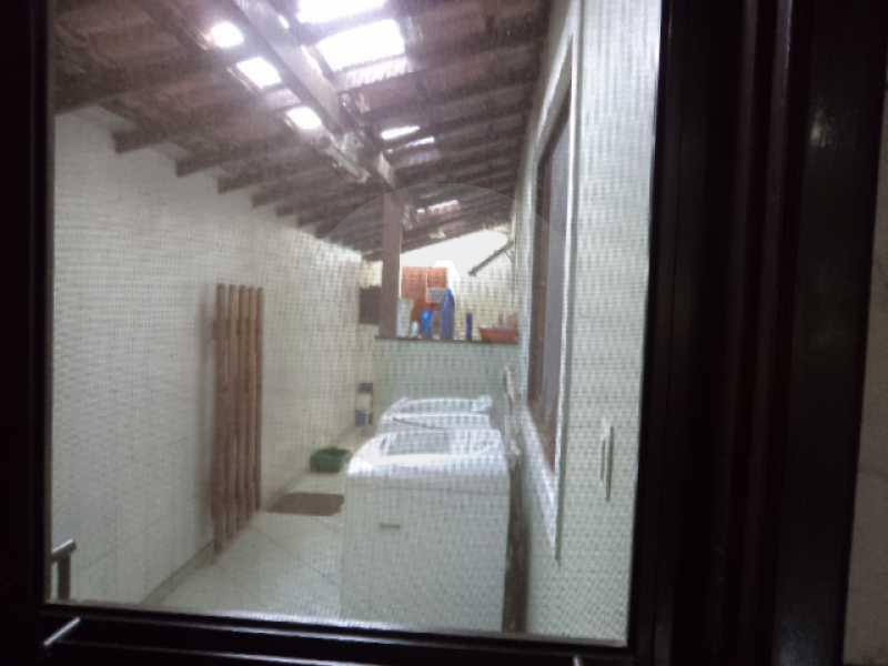 22 - Área de Serviço - AGATE Imoveis vende excelente casa em Condomínio Itaipu Regiao Oceanica de Niteroi - HTCN40005 - 23