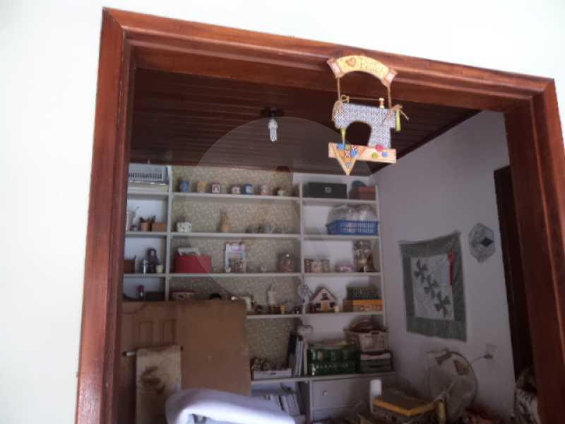 23 - Atelier - AGATE Imoveis vende excelente casa em Condomínio Itaipu Regiao Oceanica de Niteroi - HTCN40005 - 24