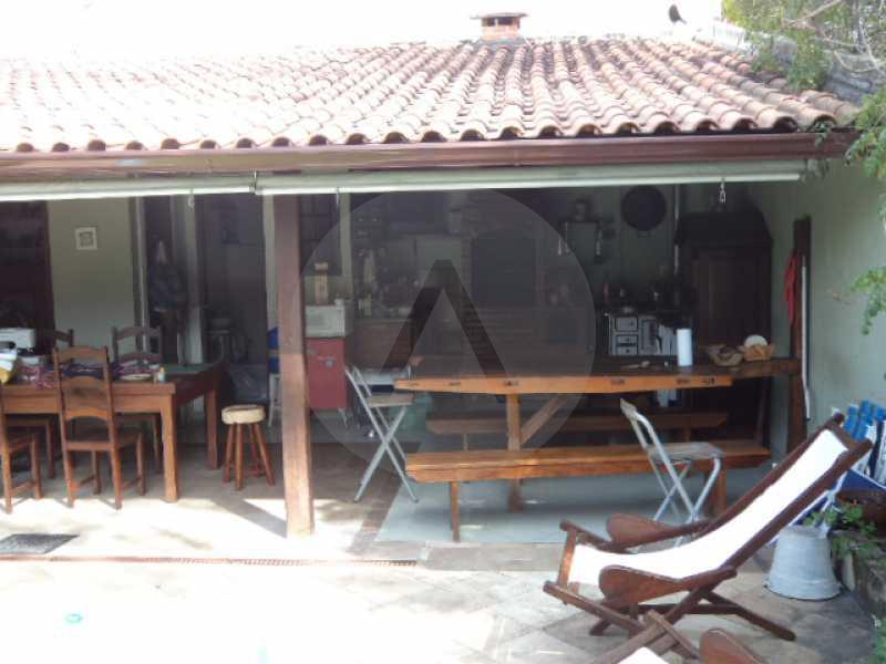 25 - Churrasqueira - AGATE Imoveis vende excelente casa em Condomínio Itaipu Regiao Oceanica de Niteroi - HTCN40005 - 26