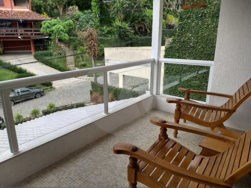 8 Casa Condomínio Pendotiba. - Imobiliária Agatê Imóveis vende Casa em Condomínio de 400 m² Itaipu - Niterói por 1.800 mil reais. - HTCN40037 - 10