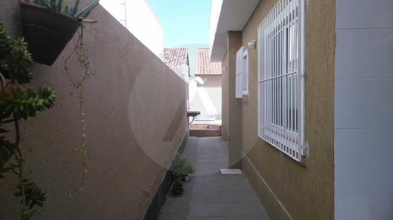 17 Casa Linear Itaipu - Corred - IMOBILIÁRIA AGATÊ IMÓVEIS VENDE CASA LINEAR ITAIPU NITERÓI. - HTCA30137 - 20