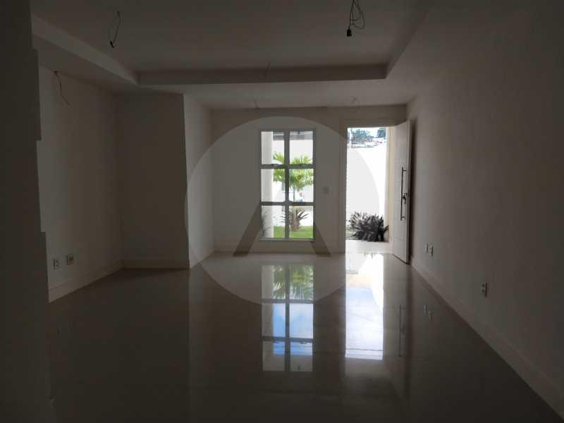6 Casa 3 suites Piratininga - Imobiliária Agatê Imóveis vende Casa Padrão de 220m² Piratininga - Niterói por 840 mil reais. - HTCA40078 - 7