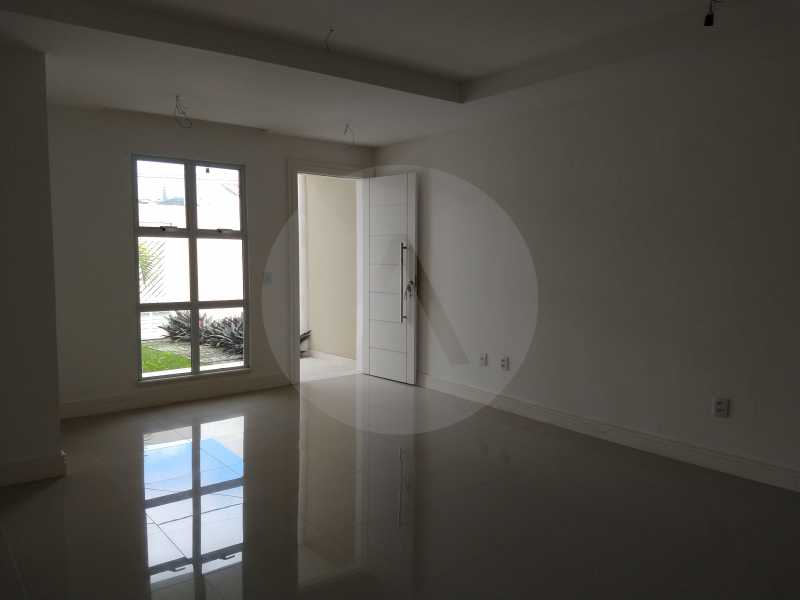 7 Casa 3 suites Piratininga - Imobiliária Agatê Imóveis vende Casa Padrão de 220m² Piratininga - Niterói por 840 mil reais. - HTCA40078 - 8