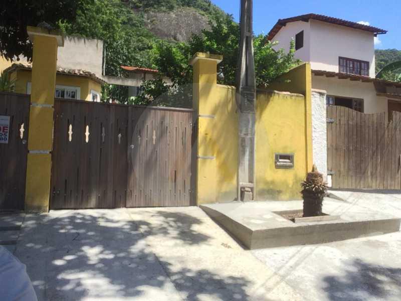 1 Casa Linear Piratininga. - Imobiliária Agatê Imóveis vende Casa Padrão de 100m² Itaipu - Niterói por 480 mil reais. - HTCA40079 - 1