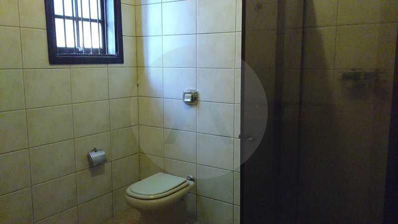 10 - Banheiro Social - Imobiliária Agatê Imóveis vende Casa Linear - Itaipu - Niterói. - HTCA20004 - 13
