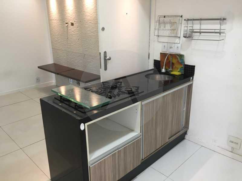 1- Flat Itaipu. - Imobiliária Agatê Imóveis vende Flat de 62m² Itaipu - Niterói por 300 mil reais. - HTFL10010 - 3