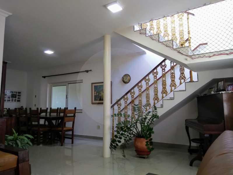 12 Casa Duplex Piratininga. - Imobiliária Agatê Imóveis vende Casa Duplex de 340m² Piratininga - Niterói. - HTCA60001 - 11