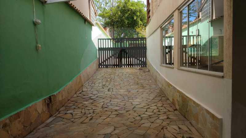28 Casa Padrão Piratininga. - Imobiliária Agatê Imóveis vende Casa Triplex de 316 m² Piratininga - Niterói por 1.150 mil reais. - HTCA40105 - 29