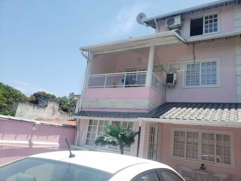 2 Casa Padrão Piratininga. - Imobiliária Agatê Imóveis vende Casa Triplex em rua asfaltada de 225 m² Piratininga - Niterói por 780 mil reais. - HTCA40123 - 1