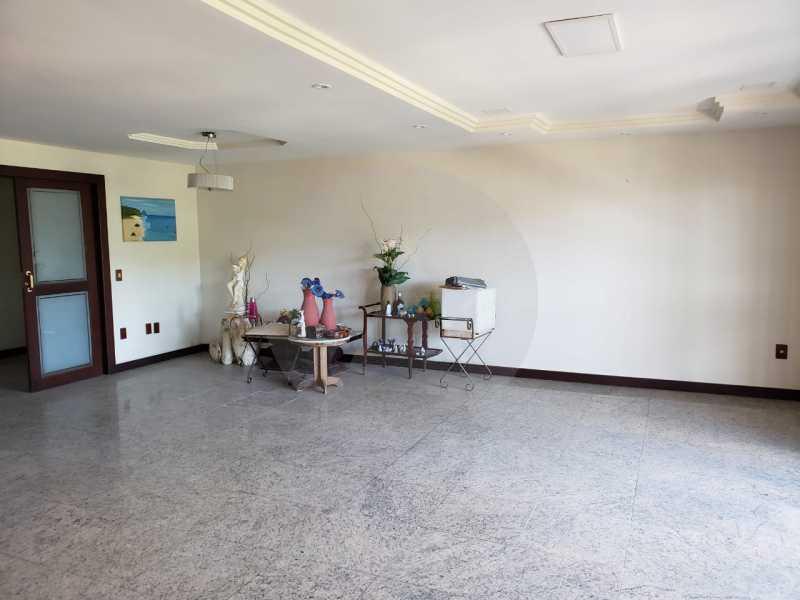 casa manoel rua oitenta itaipu - Imobiliária Agatê Imóveis vende Casa linear de 320m² por 950 mil - Itaipu - Niterói/RJ - HTCA50025 - 13