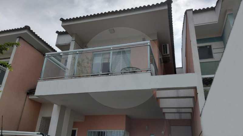 2 Casa Padrão Itaipu. - Imobiliária Agatê Imóveis vende Casa Duplex - Itaipu - Niterói. - HTCA30254 - 3