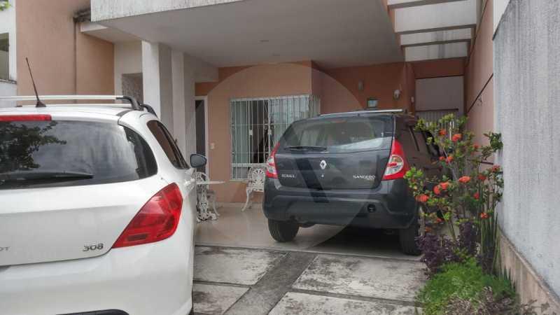 30 Casa Padrão Itaipu. - Imobiliária Agatê Imóveis vende Casa Duplex - Itaipu - Niterói. - HTCA30254 - 31