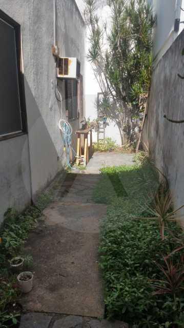 22 Casa Padrão Piratininga. - Imobiliária Agatê Imóveis vende Casa Padrão de 200 m² Piratininga - Niterói por 985 mil reais. - HTCA30256 - 23