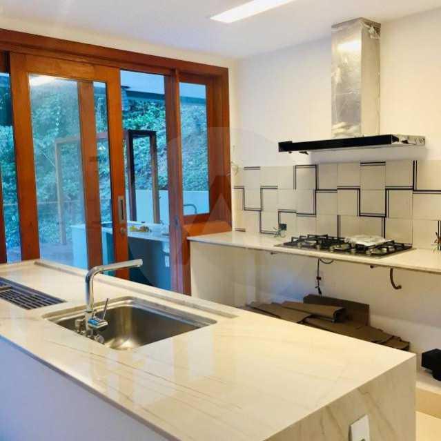 casa uba recanto 16 - Imobiliária Agate imóveis vende belíssima casa em condominio de luxo Itaipu - Niteró - HTCN30110 - 17