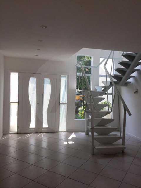 3 Casa Condomínio Piratininga - Imobiliária Agatê Imóveis vende Casa Duplex em Condomínio de 440 m² Piratininga - Niterói. - HTCN50021 - 6