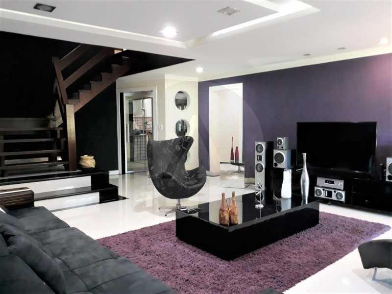 8 Casa Condomínio Itaipu. - Imobiliária Agate Imóveis vende belíssima casa em condomínio em Itaipu - Niterói. - HTCN30111 - 9