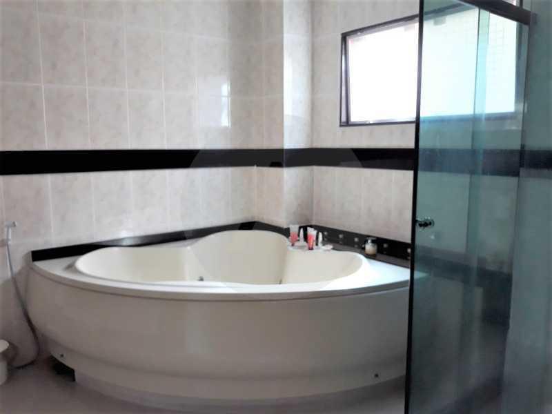 16 Casa Condomínio Itaipu. - Imobiliária Agate Imóveis vende belíssima casa em condomínio em Itaipu - Niterói. - HTCN30111 - 17