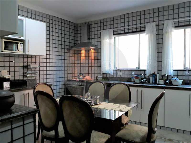 20 Casa Condomínio Itaipu. - Imobiliária Agate Imóveis vende belíssima casa em condomínio em Itaipu - Niterói. - HTCN30111 - 21