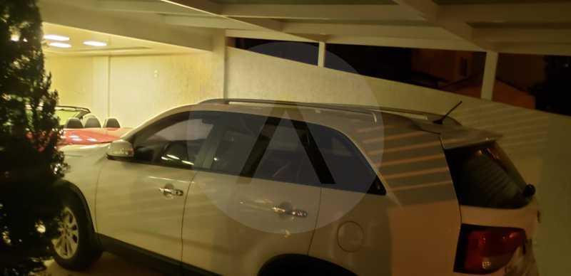 2 Casa Triplex Camboinhas. - Imobiliária Agatê Imóveis vende Magnífica Casa Triplex de 425 m² Camboinhas - Niterói. - HTCA40129 - 3