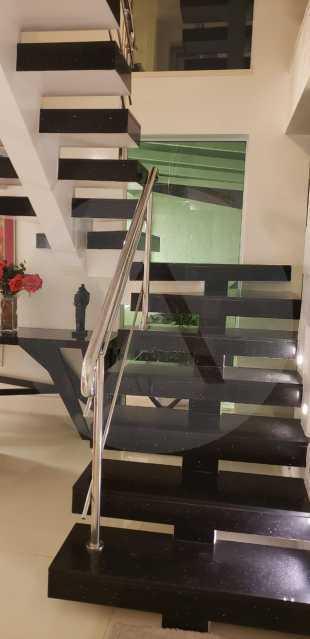 10 Casa Triplex Camboinhas. - Imobiliária Agatê Imóveis vende Magnífica Casa Triplex de 425 m² Camboinhas - Niterói. - HTCA40129 - 11