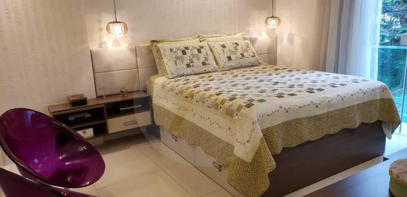 15 Casa Triplex Camboinhas. - Imobiliária Agatê Imóveis vende Magnífica Casa Triplex de 425 m² Camboinhas - Niterói. - HTCA40129 - 16