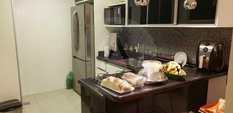 19 Casa Triplex Camboinhas. - Imobiliária Agatê Imóveis vende Magnífica Casa Triplex de 425 m² Camboinhas - Niterói. - HTCA40129 - 20