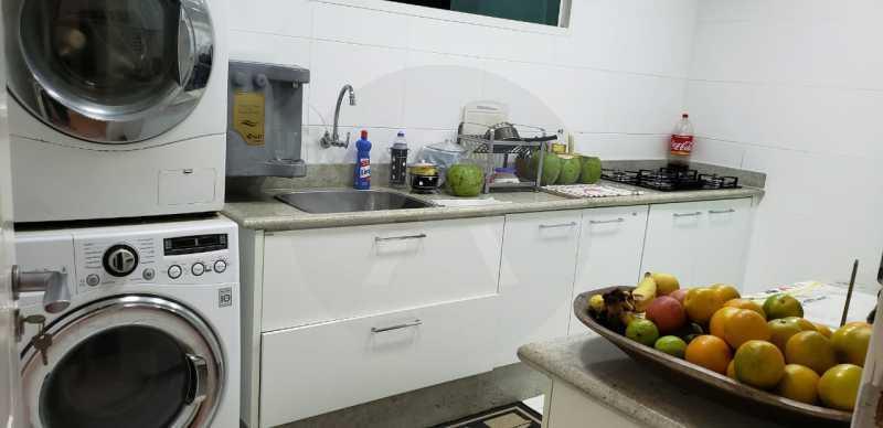 20 Casa Triplex Camboinhas. - Imobiliária Agatê Imóveis vende Magnífica Casa Triplex de 425 m² Camboinhas - Niterói. - HTCA40129 - 21