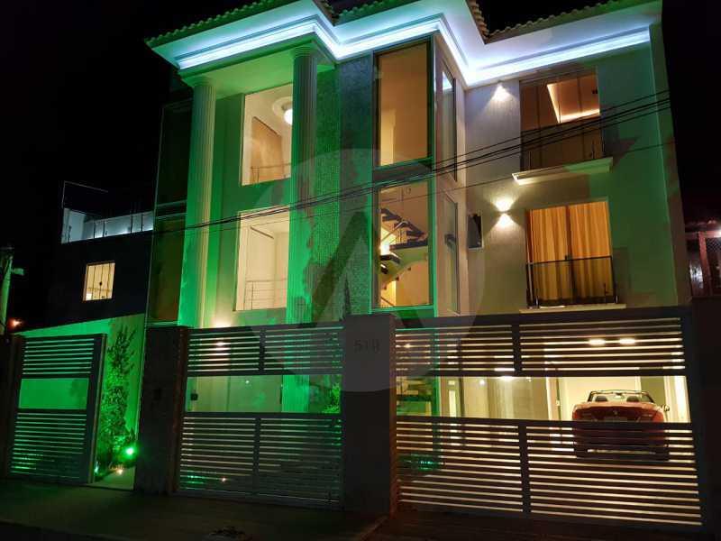 30 Casa Triplex Camboinhas. - Imobiliária Agatê Imóveis vende Magnífica Casa Triplex de 425 m² Camboinhas - Niterói. - HTCA40129 - 31