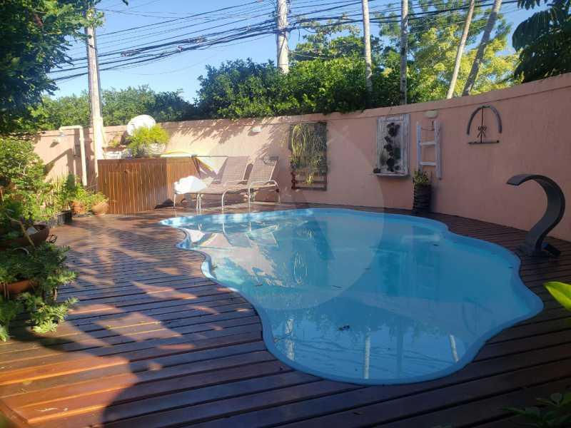 mancoes camboinhas 02 - Agate Imóveis vende linda casa em Camboinhas Niterói - HTCN30116 - 4