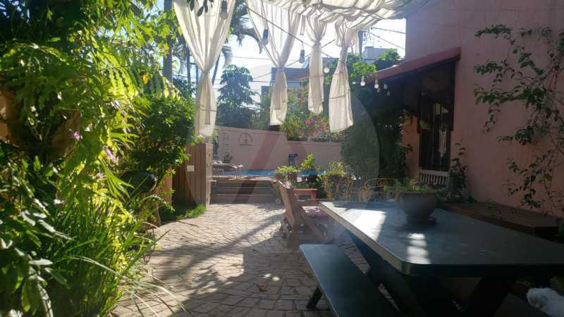 mancoes camboinhas 07 - Agate Imóveis vende linda casa em Camboinhas Niterói - HTCN30116 - 9