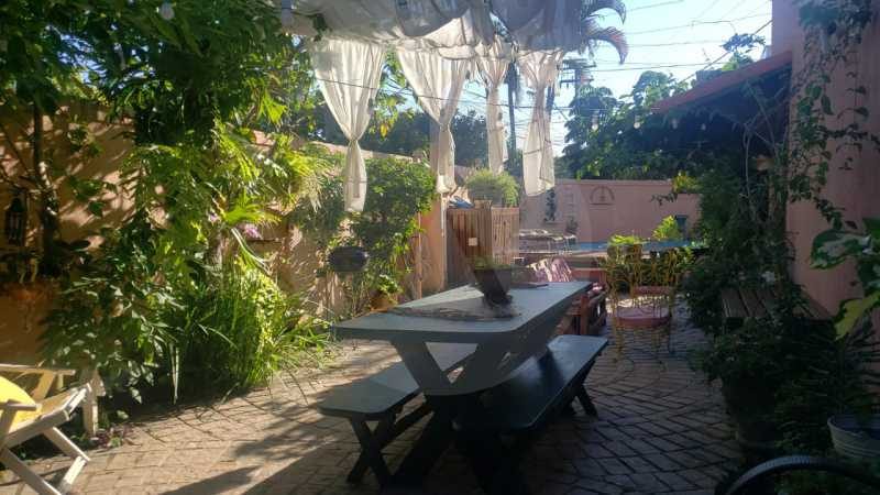 mancoes camboinhas 08 - Agate Imóveis vende linda casa em Camboinhas Niterói - HTCN30116 - 1