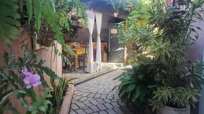 mancoes camboinhas 09 - Agate Imóveis vende linda casa em Camboinhas Niterói - HTCN30116 - 10