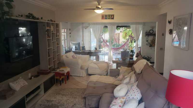 mancoes camboinhas 10 - Agate Imóveis vende linda casa em Camboinhas Niterói - HTCN30116 - 11