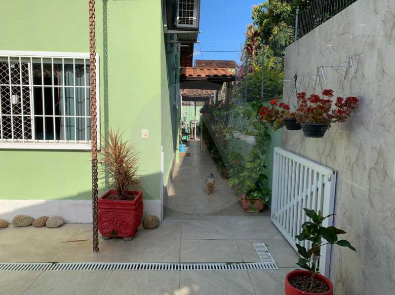 casa barravento 7 - Imobiliária Agatê Imóveis vende Casa padrão de 245m² Piratininga - Niterói - HTCA30276 - 9