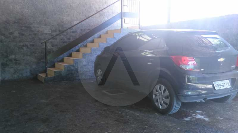 3 - Garagem - Imobiliária Agatê Imóveis vende Casa de 289 m² Itaipu - Niterói por 480 mil reais - HTCA30035 - 6