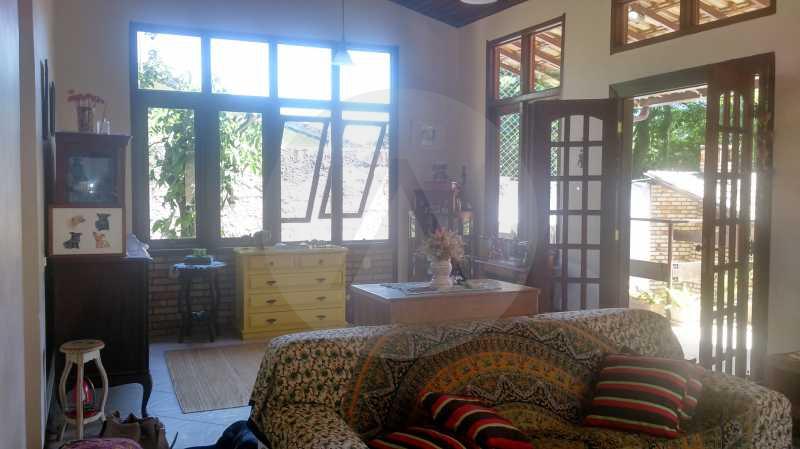 10 - Sala - Imobiliária Agatê Imóveis vende Casa de 289 m² Itaipu - Niterói por 480 mil reais - HTCA30035 - 11