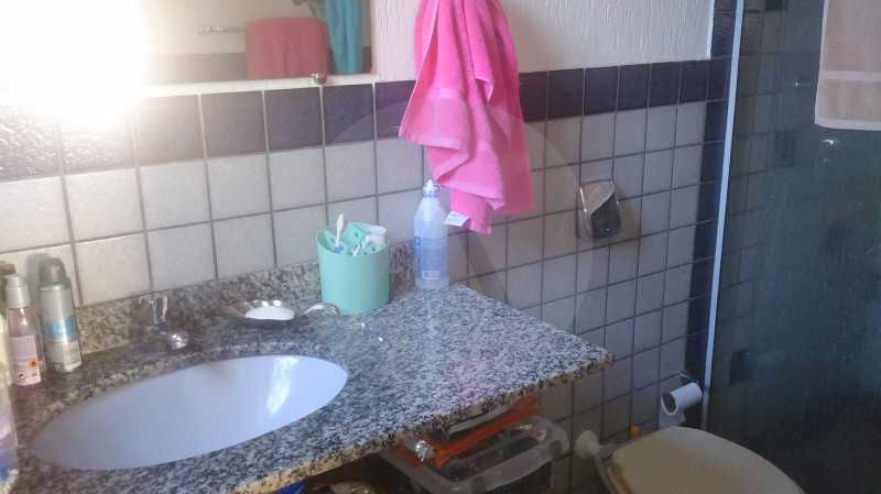 20 - Banheiro Suite - Imobiliária Agatê Imóveis vende Casa de 289 m² Itaipu - Niterói por 480 mil reais - HTCA30035 - 21