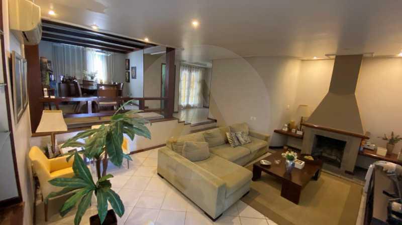 8 Casa Condomínio Itaipu. - Agatê Imóveis vende belíssima casa em condomínio de alto padrão em Itaipu - Niterói. - HTCN30118 - 9