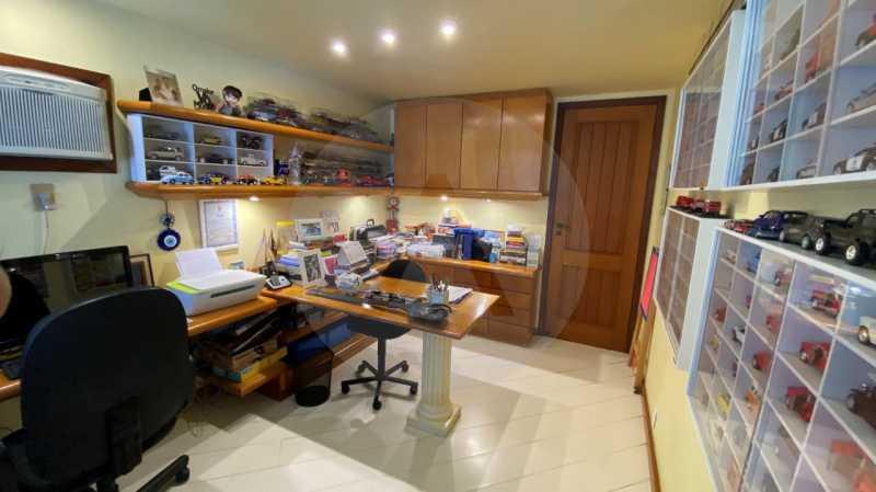 13 Casa Condomínio Itaipu. - Agatê Imóveis vende belíssima casa em condomínio de alto padrão em Itaipu - Niterói. - HTCN30118 - 14
