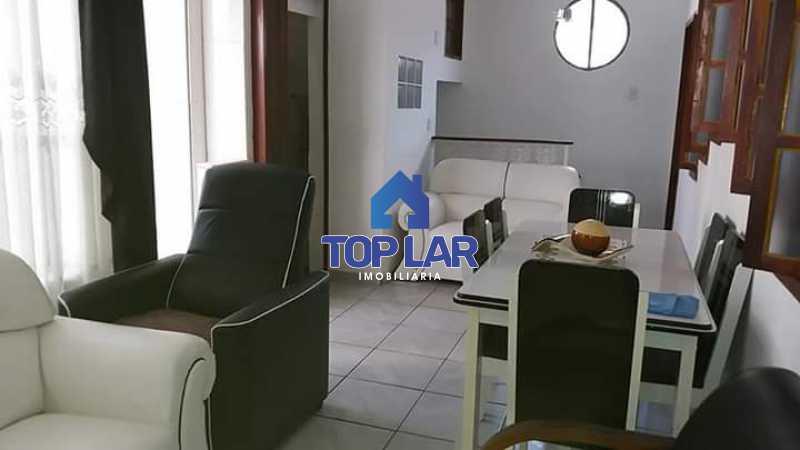 3. - Apartamento tipo CASA de fundos, com 01 lance de escada. Sala 2 qrts, banh social c blindex, coz. e área de serviço e terraço coberto. - HAAP20105 - 5